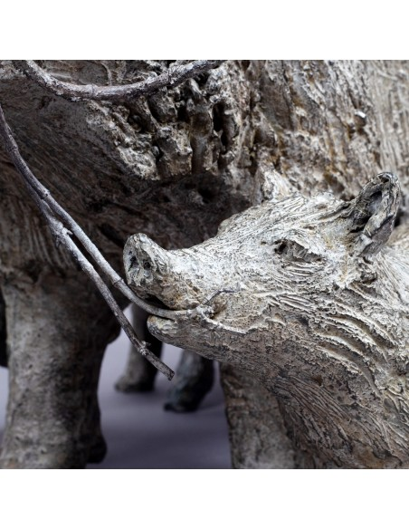 Sculpture bronze En forêt de Hez - Laie et marcassins - Détail enfant - Bronze sanglier